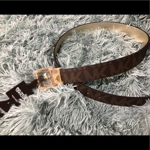 NWT Michael Kors Reversible Brown Belt -Small